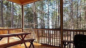 Bild: eine schöne, offene Terrasse